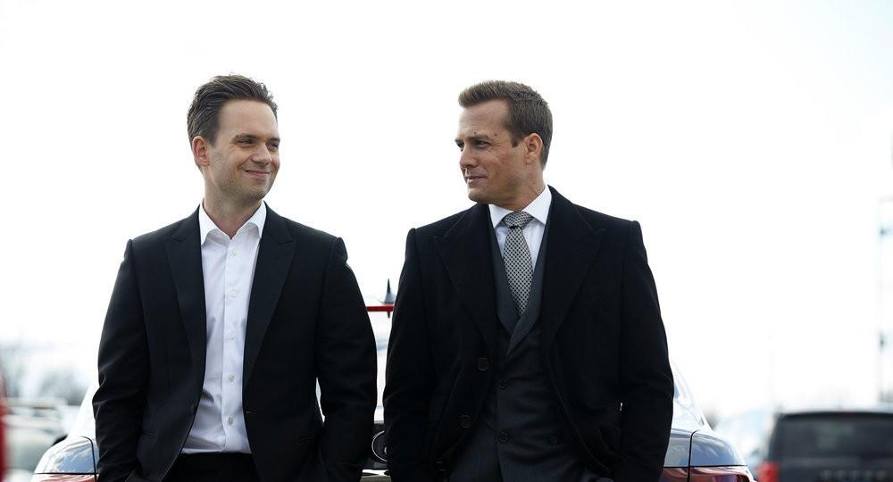 Harvey con Mike instantes antes de su ingreso a prisión.
